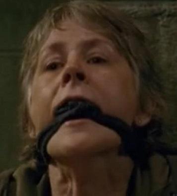 ウォーキングデッド キャロル 過呼吸